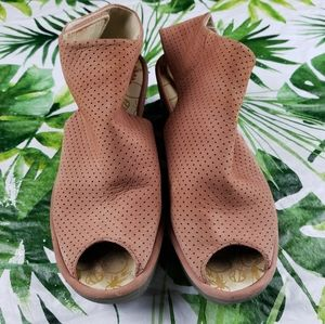 - Fly London Yone perforated wedges 39